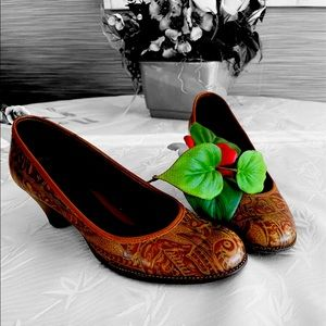 Aerosoles Leather Pumps Made In Brazil
